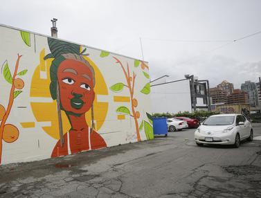 FOTO: Mural Aneka Rupa Hiasi Kota Vancouver di Kanada