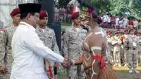 M. Nurman Karupukaro, warga asli Komoro dari Timika dalam sebuah kesempatan. (Liputan6.com/Katharina Janur/ Nurman Karupukaro)