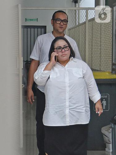 Ekspresi Nunung dan Suami Jelang Sidang Putusan Kasus Narkoba