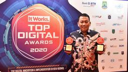 Selain mendapatkan penghargaan dari TOP Digital Awards 2020, Askrindo juga meraih Gold Award The Best Indonesia Operational Excellence Award dari Majalah Economic Review. (Liputan6.com/Pool/Askrindo)