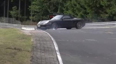 Rem Bermasalah, Porsche Boxster 968 Melintir Saat Uji Coba