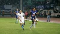 Duel PSIS vs Persela di Stadion Moch. Soebroto, Magelang, Senin (6/5/2018). (Bola.com/Ronald Seger Prabowo)