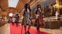 Ratusan orang mengunjungi Istana Versailles dengan mengenakan busana mirip Maria-Antoinette di Prancis (Dok.Instagram/@leroilouisxiv/https://www.instagram.com/p/ByDCXe1o8Gq/Komarudin)