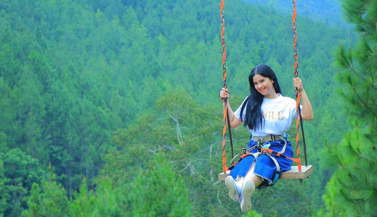 Annisa Pohan, salah satu perempuan yang menginspirasi. Sejak menikah dengan politisi Agus Harimurti Yudhoyono, Annisa memang jarang tampil di televisi. Namun ia tetap bisa hadir dengan sikap-sikapnya yang inspiratif. (Instagram/annisayudhoyono)