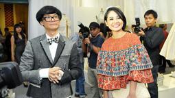 Penyanyi cantik Andien tampak menghadiri pameran busana karya Didi Budiarjodi   Musem Tekstil, Jakarta, Kamis (15/01/2015). (Liputan6.com/Panji Diksana)