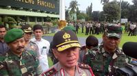 Kapolda Metro Jaya Irjen Pol M Iriawan memimpin apel gabungan TNI-Polri di Markas Kodam Jaya
