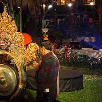 Pemukulan gong sebagai tanda dibukanya BaliSpirit Festival 2019. (Foto: Fimela.com/Fitri Andiani)
