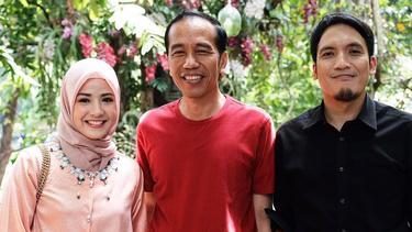 [Bintang] 8 Selebriti Indonesia yang Berpose dengan Jokowi