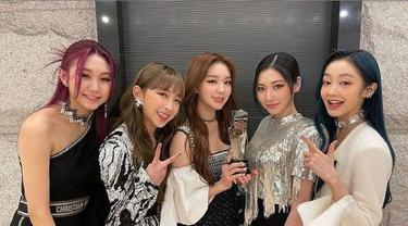 Harga Busana Dita Karang Saat Secret Number Raih Penghargaan di Asia Artist Awards 2020