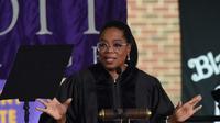 Oprah Winfrey mengaku diriya diperkosa oleh saudaranya sendiri saat masih berusia 9 tahun. (RICK DIAMOND / GETTY IMAGES NORTH AMERICA / AFP)