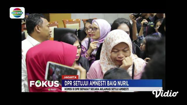 Komisi III DPR menyetujui surat pertimbangan amnesti dari Presiden Jokowi untuk Baiq Nuril, terpidana kasus ITE.
