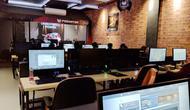 Sejumlah PC yang ada di Dota Cafe, Kemanggisan, Jakarta Barat, Senin (23/10/2017). Liputan6.com/ Yuslianson