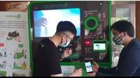 Vending machine Plasticpay. (dok. Screenshoot Youtube Plasticpay)