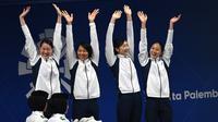Tim renang putri Jepang cetak rekor dan rebut emas Asian Games 2018 pada nomor gaya ganti estafet  (ANTARA FOTO/INASGOC/Irwin Fedriansyah)