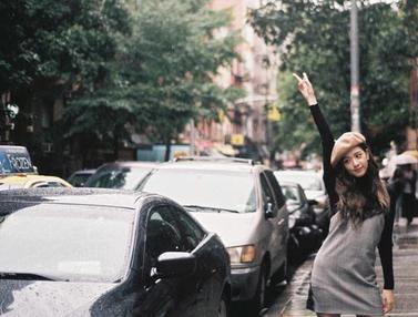 FOTO: Cantiknya Gaya Casual Jisoo BLACKPINK Saat Liburan di Luar Negeri