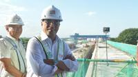 Menteri Perhubungan Budi Karya meninjau proyek kereta bandara Adi Soemarmo, Solo. (Foto: Humas Kemenhub)