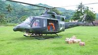 TNI AD mengerahkan helikopter untuk mendistribusikan bantuan di desa yang terisolir akibat gempa Sulbar. (YouTube TNI AD)