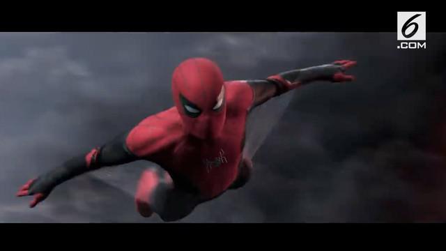 Sony dan Marvel merilis teaser pertama film Spider Man: Far From Home. Teaser ini menampilkan kostum baru Spider-Man dan sosok Mysterio.