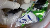 Polres Kebumen mengungkap peredaran sabu dalam bungkus permen. (Foto: Liputan6.com/Polres Kebumen)