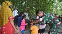Dansatgas TMMD Letkol Inf Bangun IE Siregar memantau langsung pelakasanan TNI Manunggal Membangun Desa (TMMD) ke-111 Kodim 0510/Trs di Desa Jambe, Tangerang (Pramita Tristiawati)