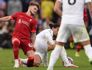 Foto: Melihat Tekel Horor yang Membuat Harvey Elliott Cedera Parah saat Liverpool Bersua Leeds United di Liga Inggris