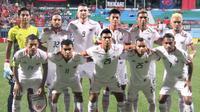 Kiper Persija Jakarta, Rizky Darmawan, menerima kritikan yang dialamatkan kepadanya setelah bermain buruk dalam laga kontra Home United di Piala AFC 2018. (dok. Persija Jakarta)
