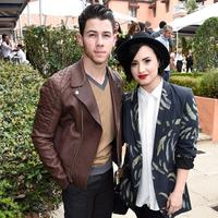 Demi Lovato bikin project baru bersama Nick Jonas (via mirror.co.uk)