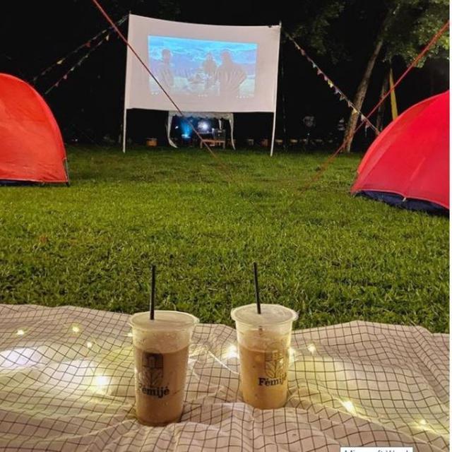 Ada Wisata Berkemah Sambil Nonton Film Di Bogor