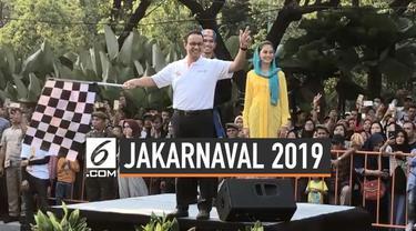 Gubernur DKI Jakarta Anies Baswedan melepas parade Jakarnaval di Balai Kota, Jakarta. Dengan tema Wajah Baru Jakarta, Anies berharap festival ini dapat menunjukkan keberagaman yang ada di Jakarta.