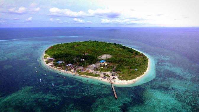 Pulau Sombori menjadi lokasi glamping terasyik untuk habiskan momen liburan akhir tahun. Foto: Andi Jatmiko/ Googleberita.com.