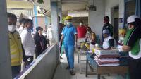 TRC Dinkes Mamasa saat melakukan penanganan Covid-19 (Liputan6.com/Abdul Rajab Umar)