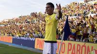 6. James Rodriguez (Kolumbia) - Gelandang Munchen ini merupakan top scorer Piala Dunia 2014, kini dirinya kembali untuk pembuktian. Meski kini kurang ganas mencetak gol, dirinya tetap layak diperhitungkan. (AFP/Javier Soriano)