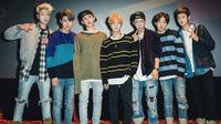 Donghyuk berjanji akan membuat para ikonics bergembira dan berlompat-lompat bersama iKON. D.I menyarankan agar ikonics bersorak-sorai dengan meriah saat konser berlangsung. (Foto: soompi.com)