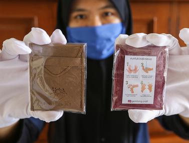 Kreatif, Gemilang Craft Ciptakan Sabun Cuci Tangan Berukuran Lembaran Kertas Sebagai Pengganti Hand Sanitizer