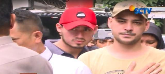 Polisi juga menangkap tiga pengedar yang diduga memasok sabu ke teman Riza.