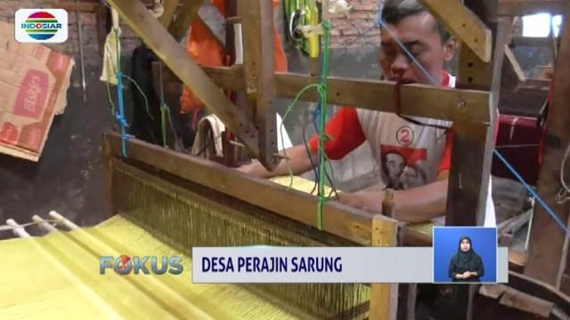 Desa Pojok, Sukoharjo, Jawa Tengah, jadi desa perajin sarung yang penjualannya sudah mendunia.