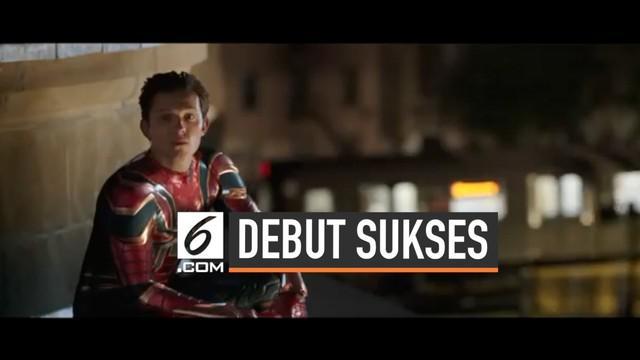 Film Spider-Man Far From Home nampaknya akan mencetak kesuksesan. Di debutnya, film ini telah meraih Rp500 miliar atas penayangannya di seluruh dunia.