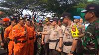 Kapolri Jendral Tito Karnavian dan Panglima TNI Marsekal Hadi Tjahjanto memimpin Apel Kesiapan Pasukan Pengamanan TPS dalam rangka Pemilu 2019.