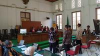 JPU KPK hadirkan dua mantan ajudan Nurdin Abdullah dalam sidang dugaan suap yang jerat Agung Sucipto (Liputan6.com/ Eka Hakim)