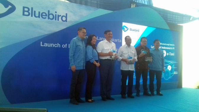 BIRD Bluebird Luncurkan Armada Taksi Mobil Listrik - Bisnis Liputan6.com