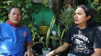 Mantan striker Barito Putera dan PKT Bontang di era 1990-an, Joko Hariyanto. (Dok. YouTube Omah Balbalan)