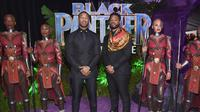 Michael B. Jordan dan sang sutradara Ryan Coogler pun berpose di purple carpet. (ALBERTO E. RODRIGUEZ / GETTY IMAGES NORTH AMERICA / AFP)