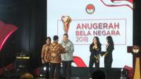 Menteri Pertahanan RI Ryamizard Ryacudu memberi apresiasi kepada seluruh masyarakat dan juga media dalam acara 'Penganugerahan Bela Negara', yang digelar di Gedung AH Nasution, Jalan Medan Merdeka Barat, Jakarta Pusat. (Merdeka.com/Ronald)