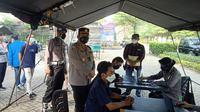 Vaksinasi goes to campus di kediri. (Dian Kurniawan/Liputan6.com)