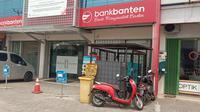 Kantor Pusat Non Operasional (KPNO) Bank Banten Kota Serang, Banten, nampak sepi, Senin (10/8/2020). (Liputan6.com/ Yandhi Deslatama)