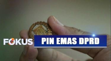Viral pin emas anggota DPRD DKI Jakarta berbiaya fantastis. Sebagian anggota DPRD beranggapan pin emas pemborosan anggaran tetapi sebagian lain merasa hal ini wajar.
