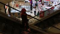 Suasana salah satu pusat berbelanjaan di Jakarta, Sabtu (12/9/2020). Asosiasi Pengusaha Ritel Indonesia (Aprindo) meminta ritel modern dan mal agar tetap bisa beroperasi selama Pembatasan Sosial Berskala Besar (PSBB) total di DKI yang mulai dilaksanakan 14 September 2020. (Liputan6.com/Angga Yuniar)