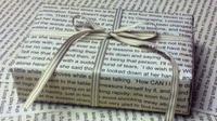 13 Kado Ulang Tahun yang Cocok untuk Si Kutu Buku | via: buzfeed.com