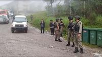 Satuan tugas berjaga di Tembagapura, Kabupaten Mimika. (Liputan6.com/Katharina Janur/Polda Papua)