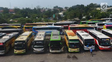 H-6 Hari Raya Lebaran, Calon Pemudik Mulai Ramai di Terminal Pulogebang
